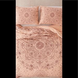 Urban Outfitters medallion comforter. NEVER USED